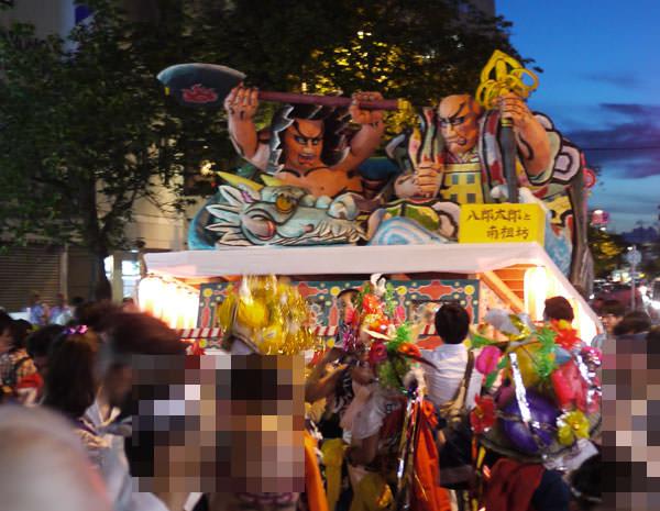 ねぶた祭りの風景