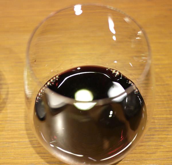 ワインの量は少ない グラスが変わっている