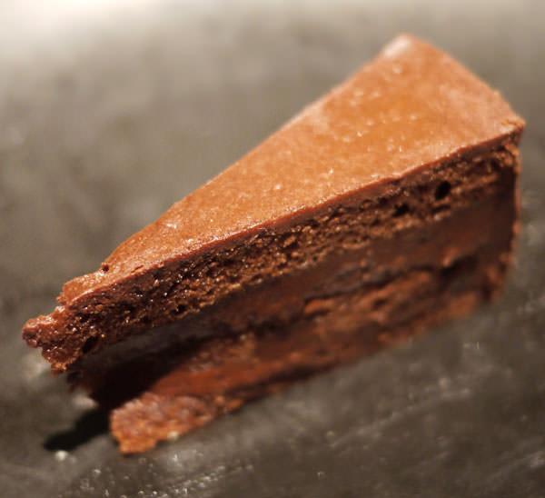 アフタヌーンティー チョコレートケーキ