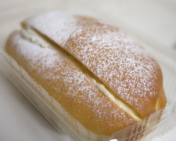 サミット 幻のクリームパン 全景