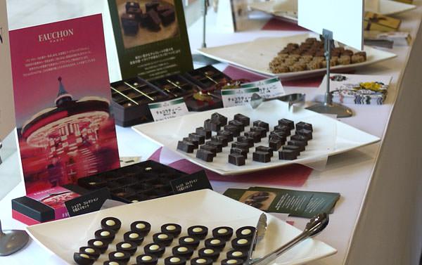 玉川高島屋 チョコレートパーティ2014 チョコレートが並んだ画像