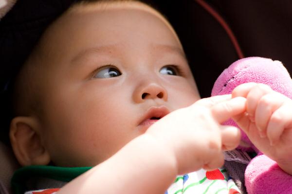 ユニチャーム アウトレットショップ記事 赤ちゃんイメージ画像