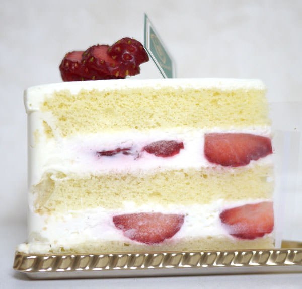 パティスリービガロー ガトーフレーズ(イチゴショートケーキ) 側面